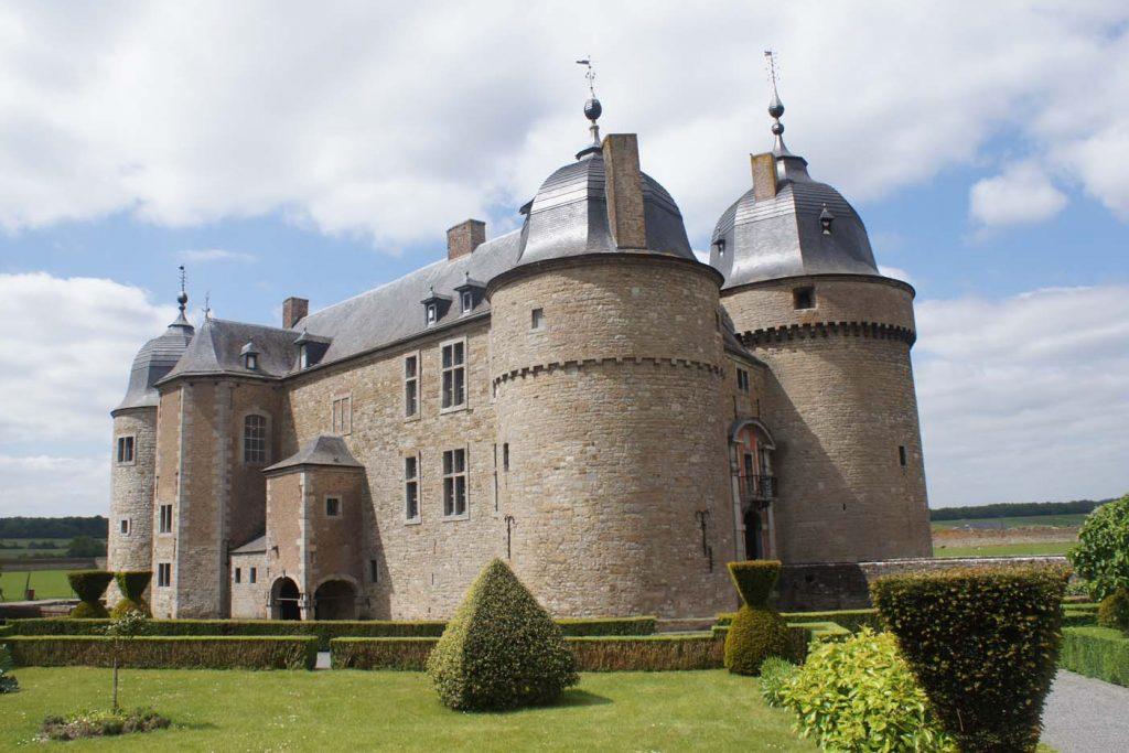 kastelen-ardennen-Chateau-de-Lavaux-Saint-Anne