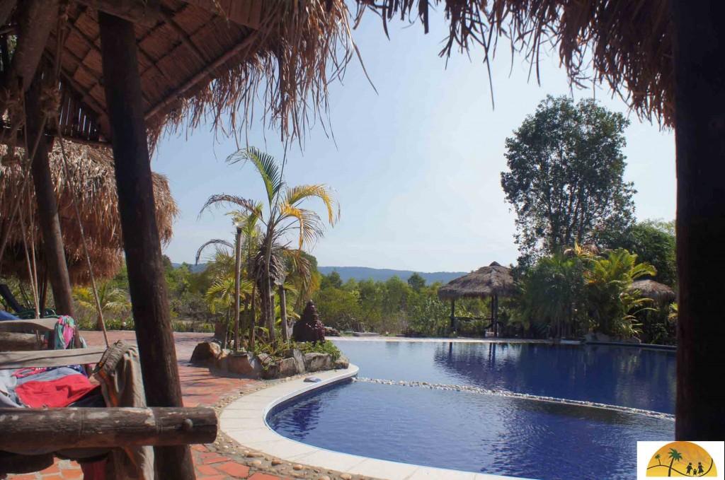 Zwembad op zicht en hoorafstand je bungalow ideaal!