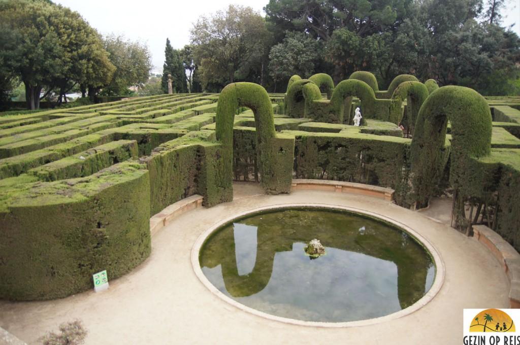 Park La Horta Labyrinth