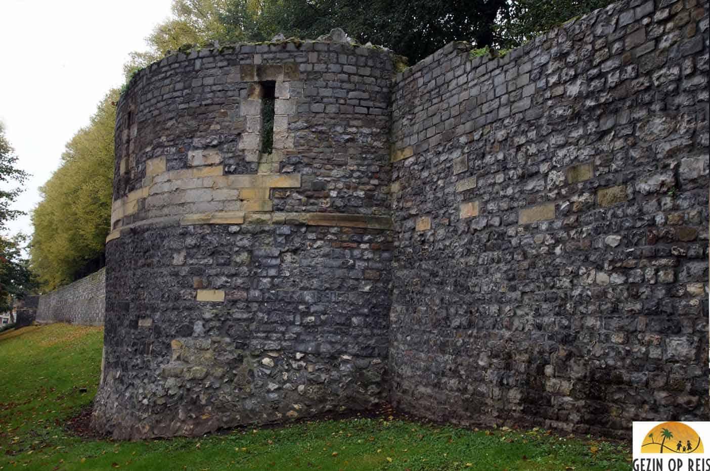 middeleeuwse muur tongeren