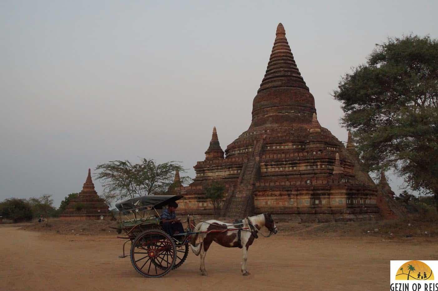 vervoer in bagan paard en wagen