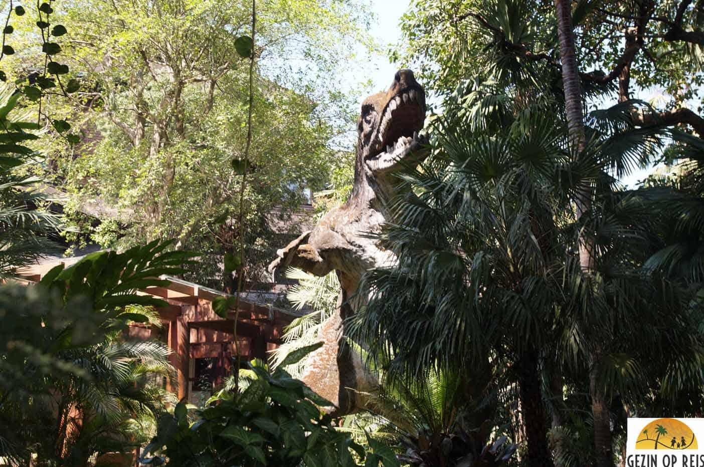 dinosaurus myanmar