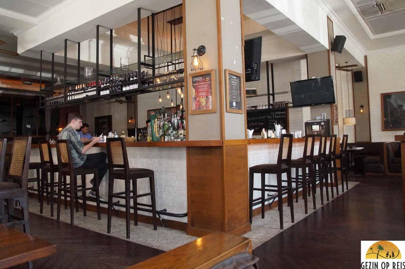 restaurant yangon