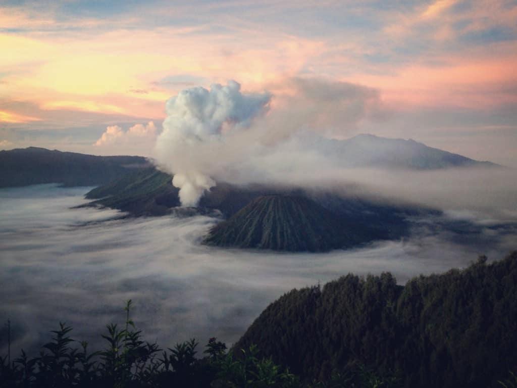 zonsopkomst-Bromo-vulkaan-1024x768