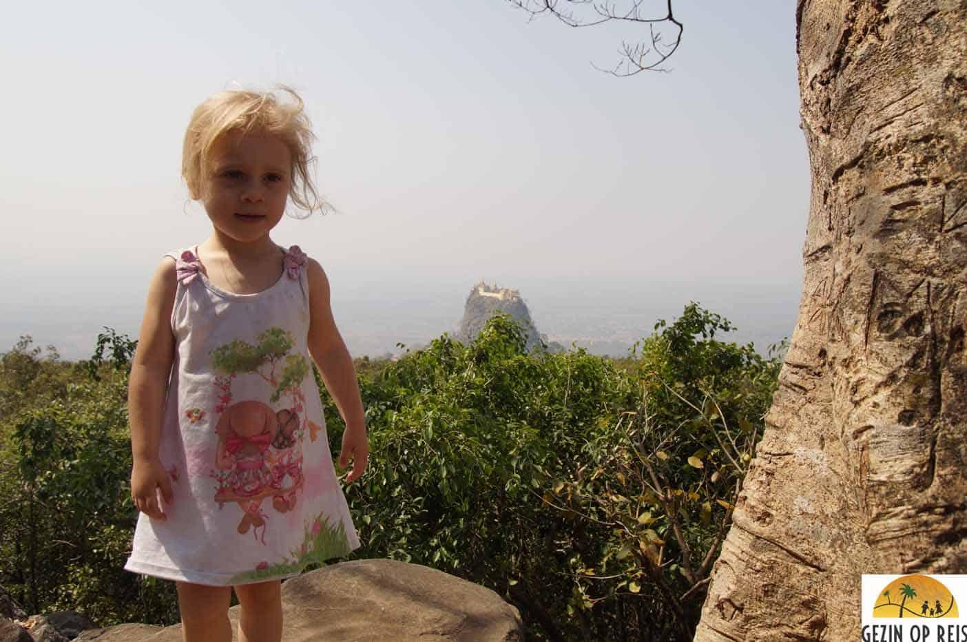 dagtrip naar Mount Popa