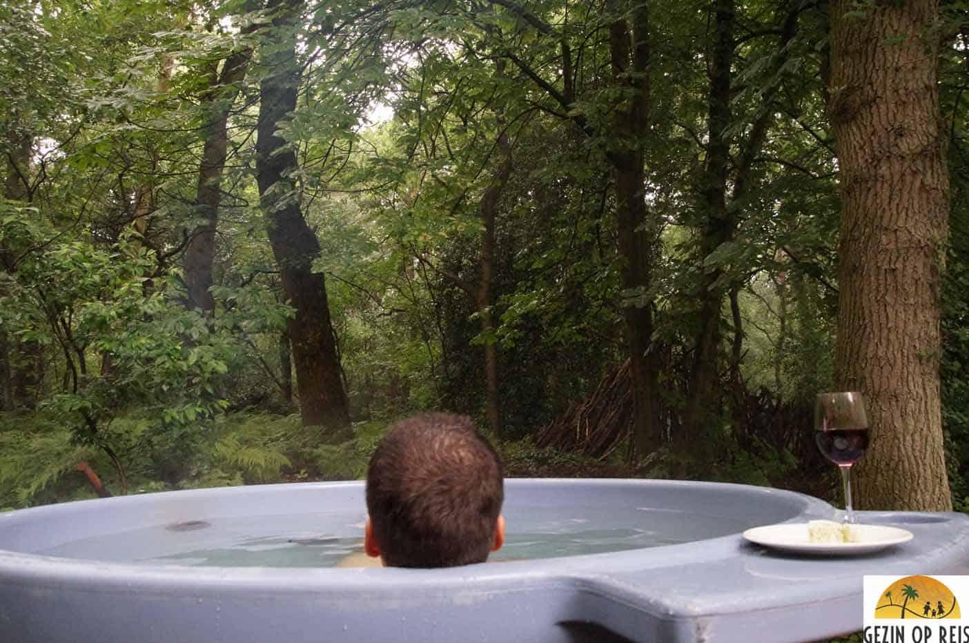 hottub huisje in het bos