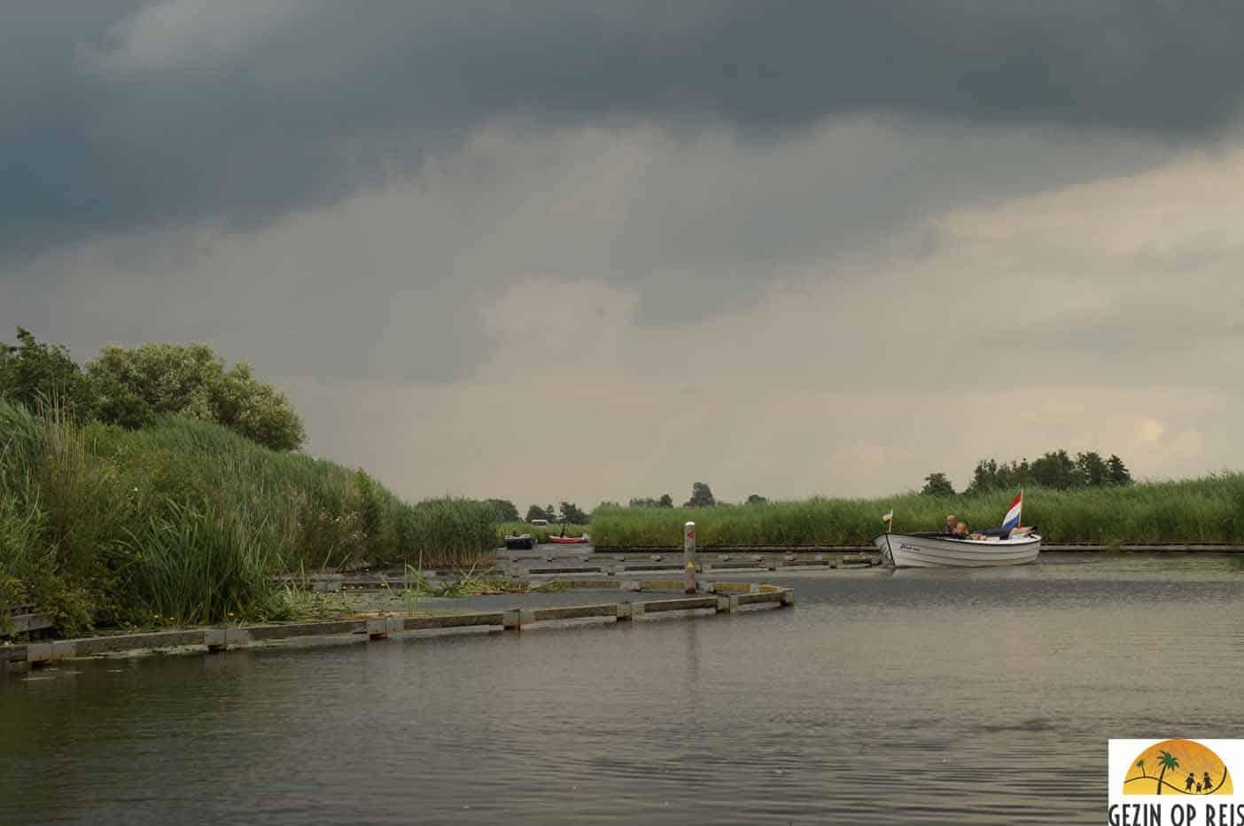 fluisterboot varen giethoorn