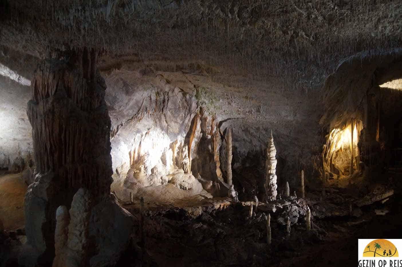 postojna grotten spelden