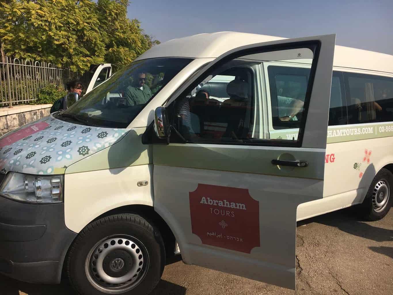 Abraham tours busje