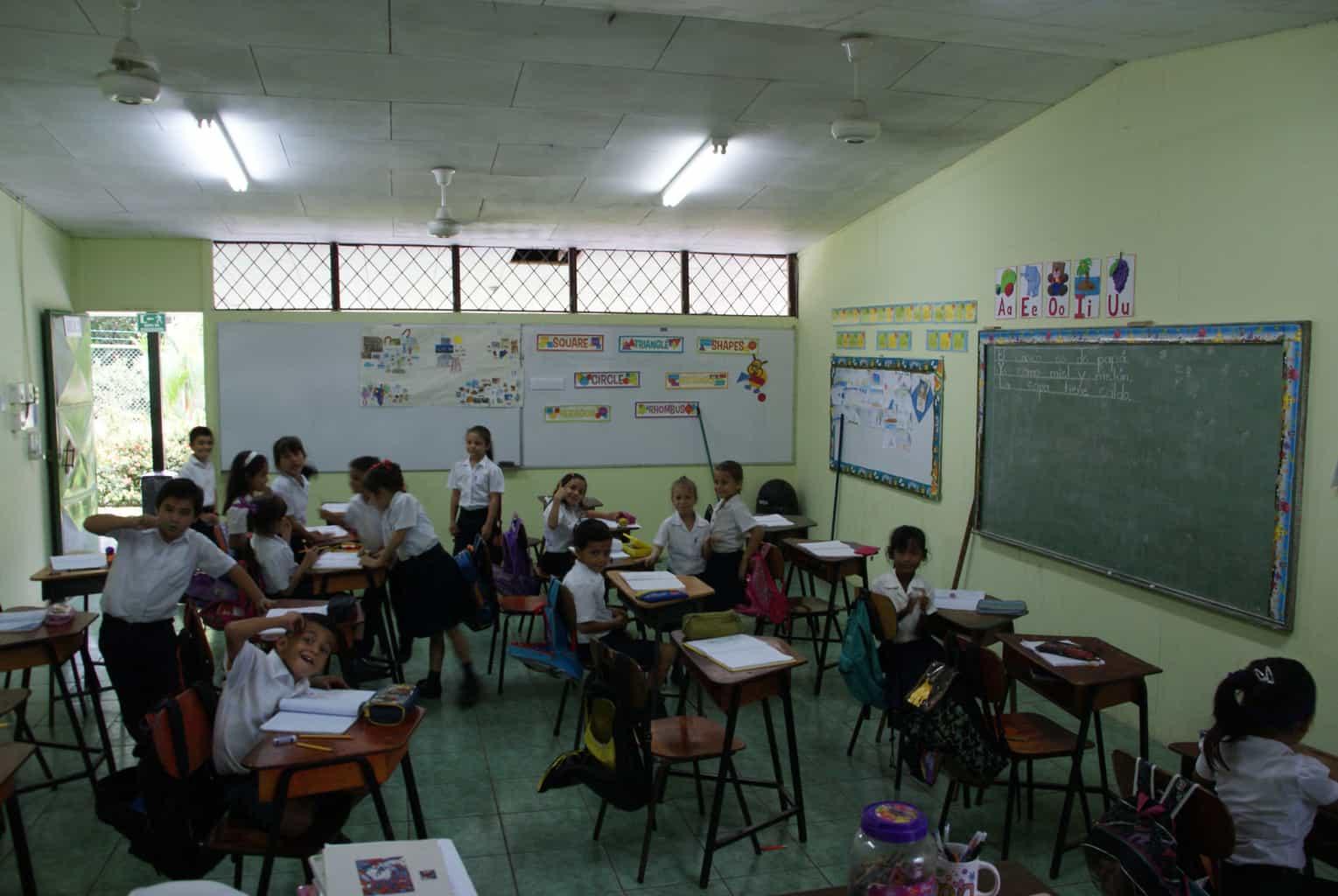 boerderij Casona Rio Fortuna en school