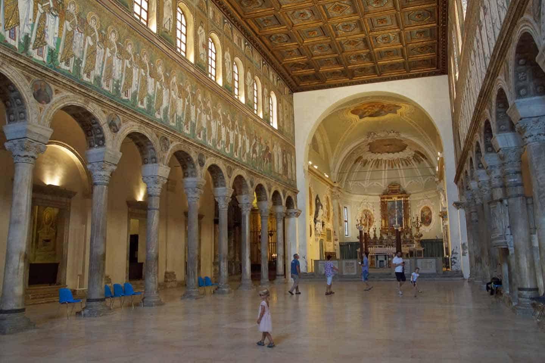 De nieuwe basiliek van Sant'Apollinare ravenna