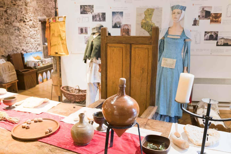 Roquebrune sur argens middeleeuws dorpje gezin op reis - Office du tourisme roquebrune sur argens ...