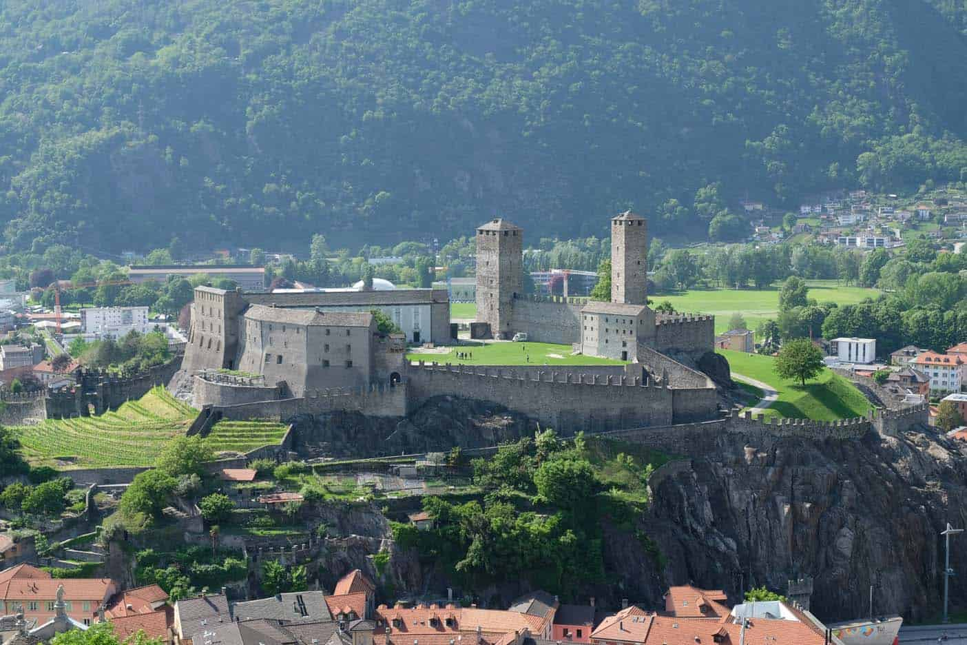 Castlegrande bellinzona kasteel