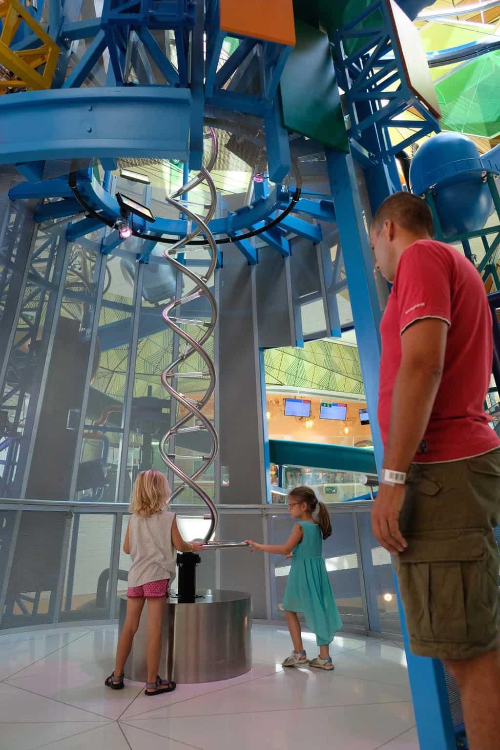 sofia science museum muzeiko