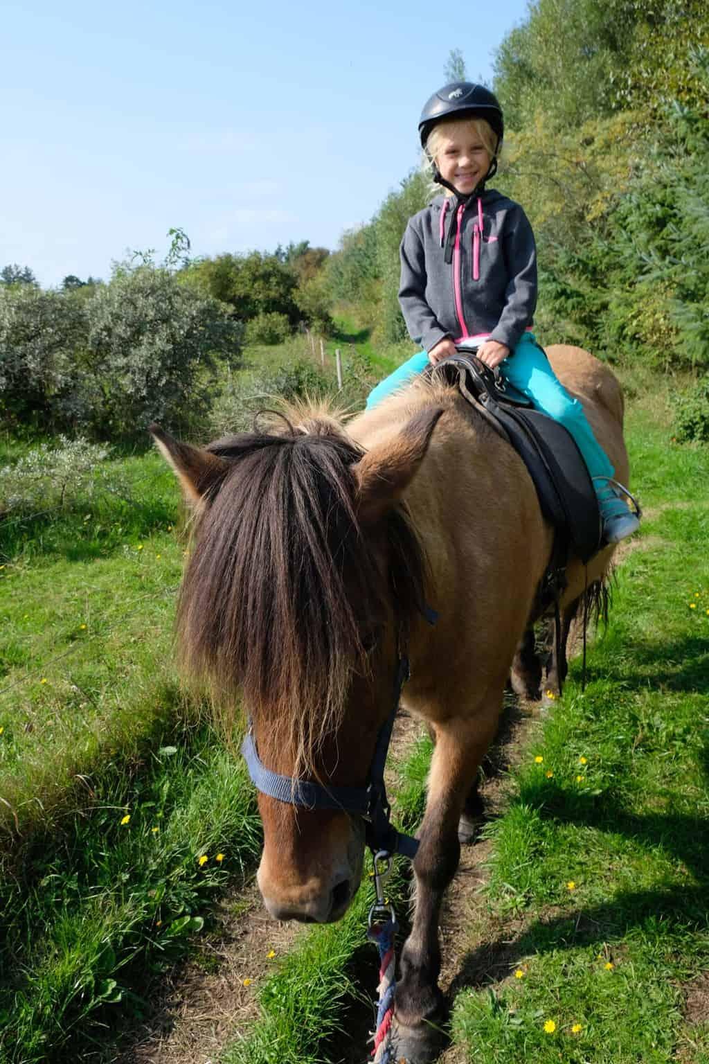 Skallerip seaside resort paardrijden denemarken kinderen