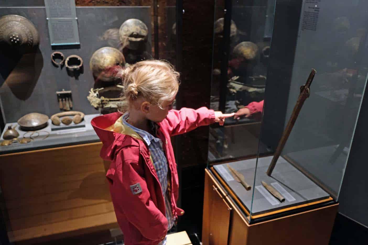 Lindholm Høje viking begraafplaats en museum