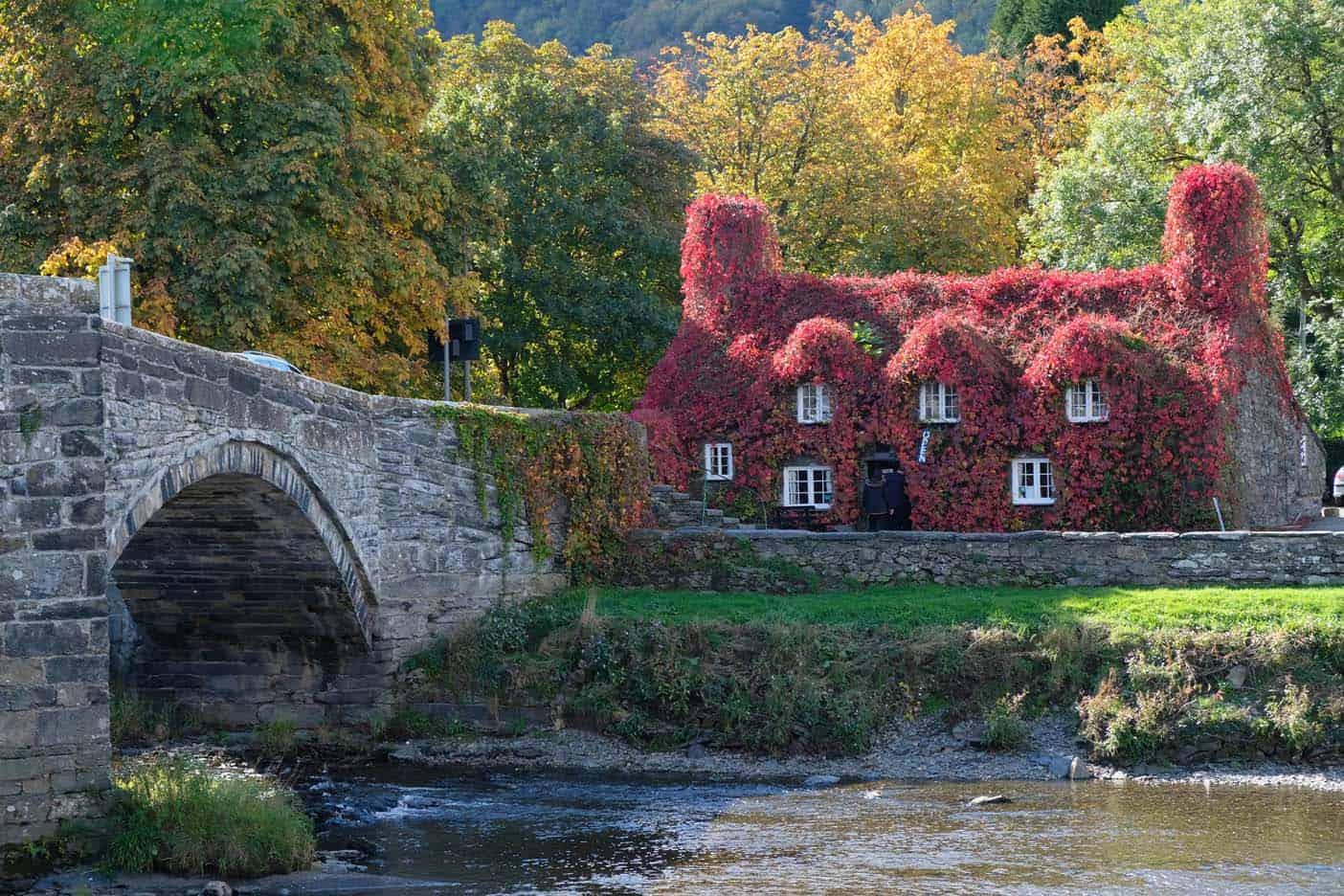 Wales rode huis