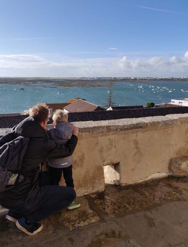 Faro met kinderen - Kathedraal La Sé 1