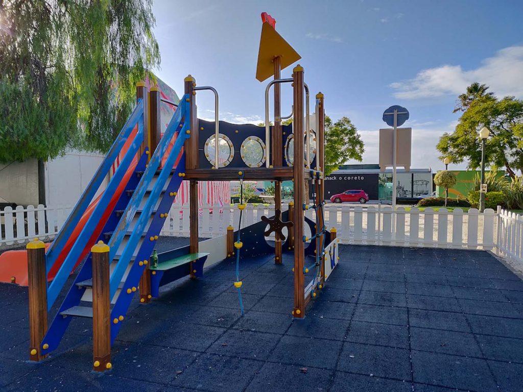 Faro met kinderen speeltuin