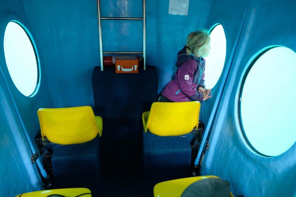 krk met kinderen onderzeer