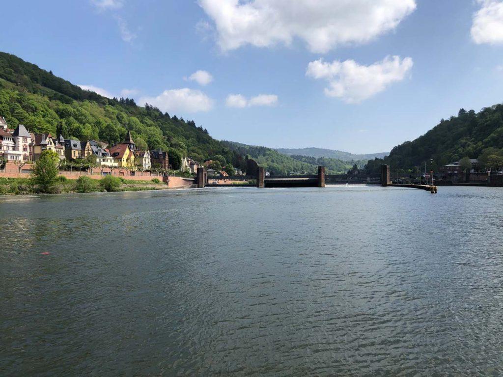 Een boottocht over de Neckar