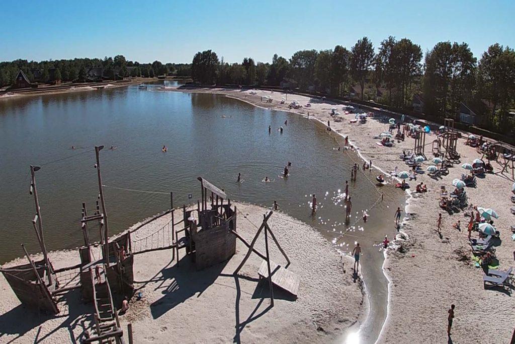 Zwembad, zwemmeer en recreatiestrand