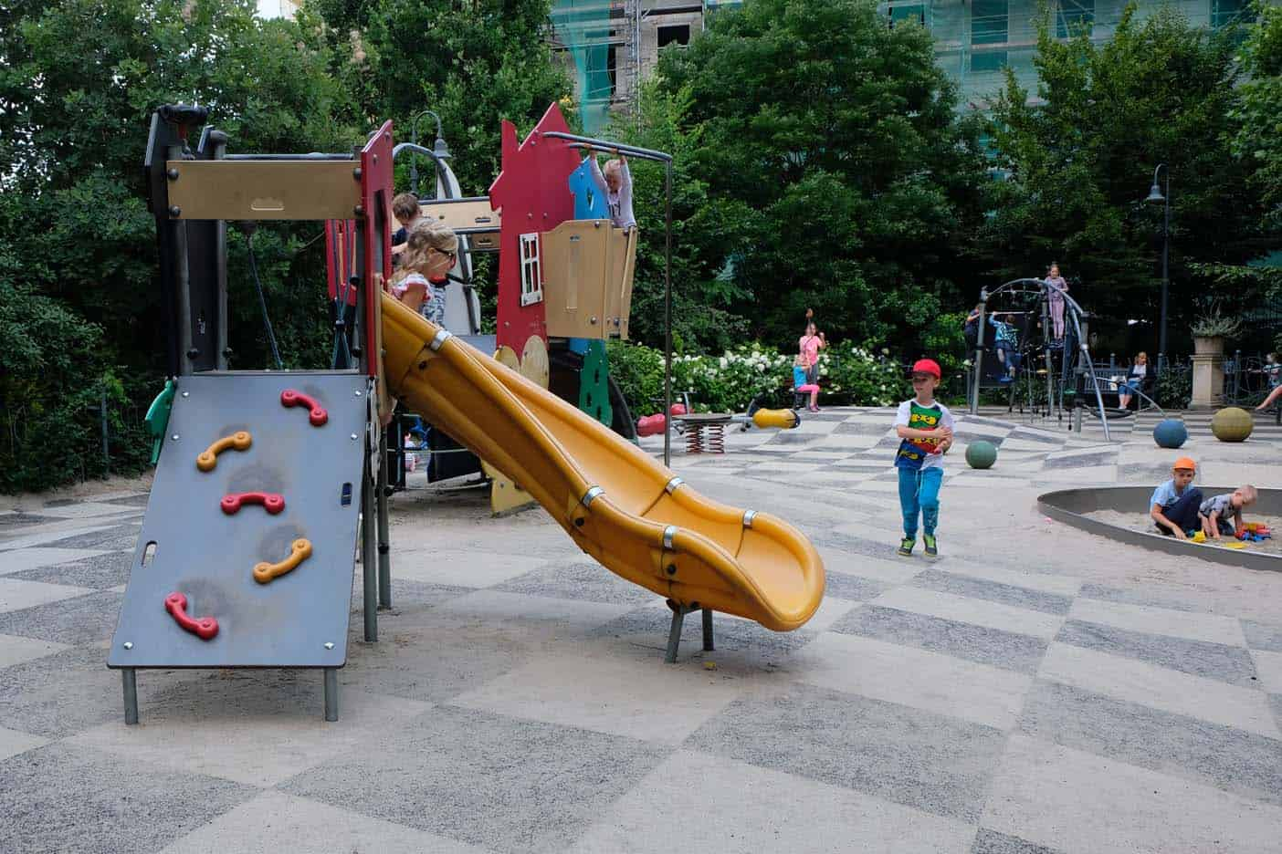 Speeltuin Lunapark Wroclaw met kids