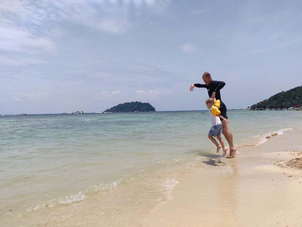 Manuken island strand borneo