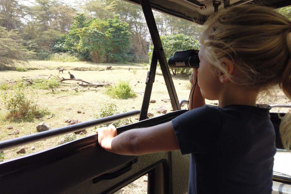 safari tanzania met kin verrekijker