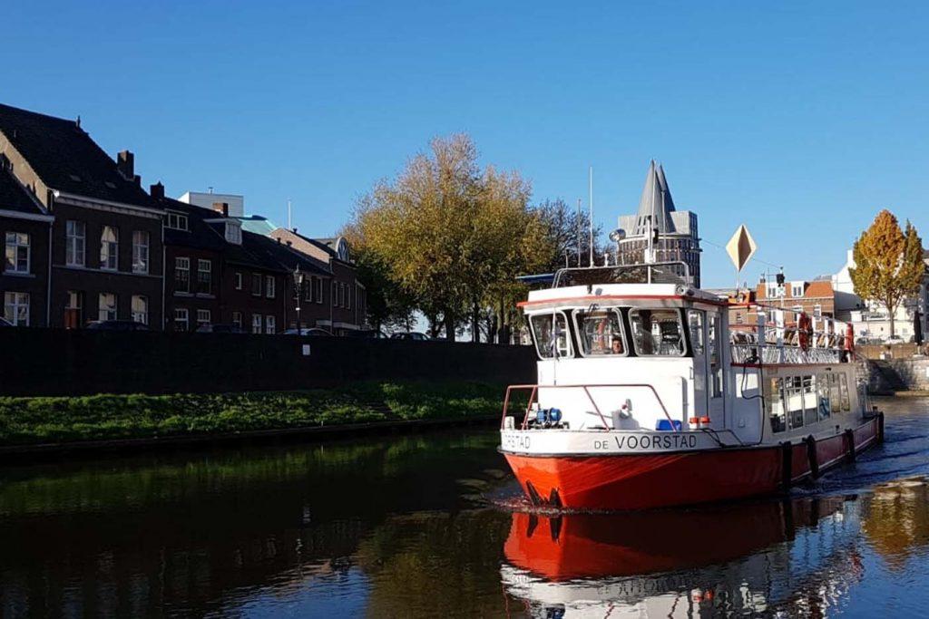 Rondvaart over de Maas(plassen) met Rederij De Corporaal