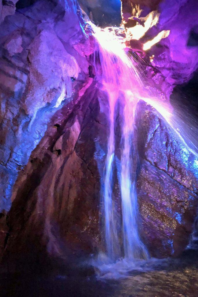 Grotten van neptunes ardennen