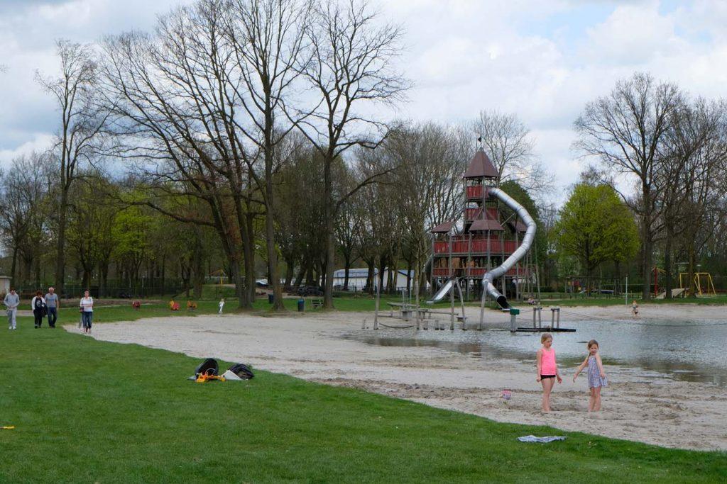 vakantiepark zwemvijver leistert